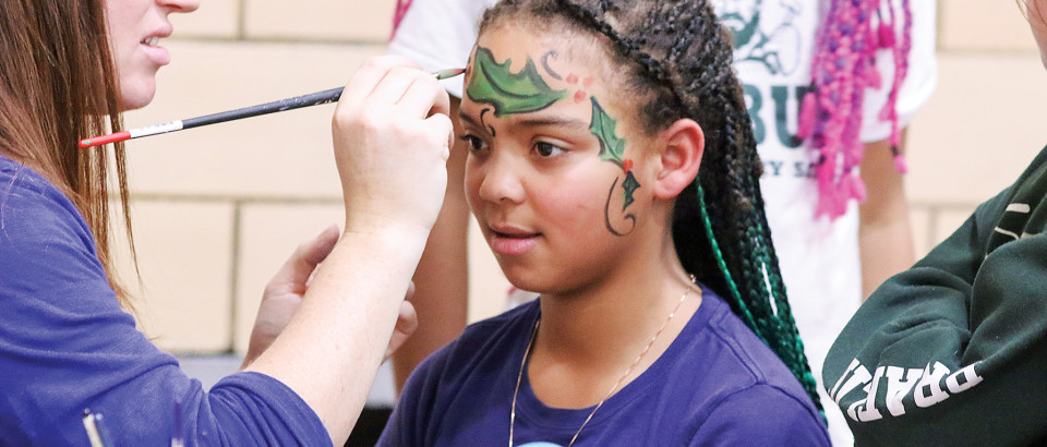 Meijah Yearout has her face painted.